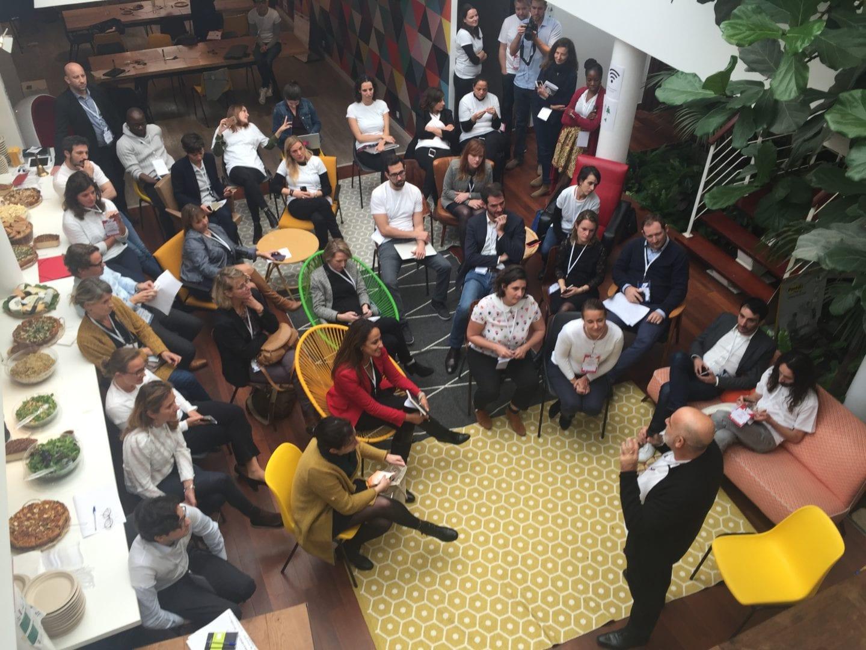 Conférence dans l'Atrium